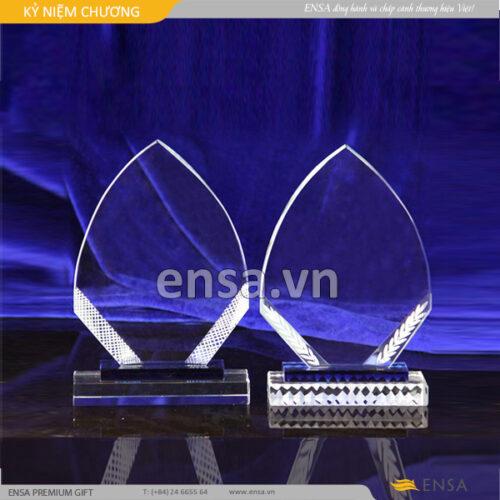kỉ niệm chương, quà tặng doanh nghiệp, cung cấp kỉ niệm chương trang trọng, kỷ niệm chương pha lê